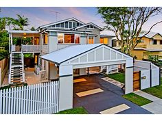 Concrete queenslander house exterior with portico & window awnings - House Facade photo 525969 Brick Fence, Front Yard Fence, Fenced In Yard, Pallet Fence, Small Fence, Fence Stain, Concrete Fence, Bamboo Fence, Cedar Fence