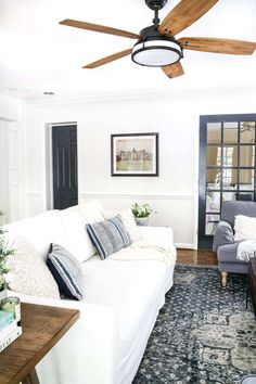 The Best Trick for Painting French Doors - Bless'er House French Country Rug, Family Room Decorating, Diy Décoration, Bedroom Sets, Home Decor Accessories, Cheap Home Decor, French Doors, Decoration, Home Remodeling