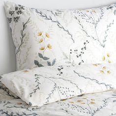 IKEA - БЕНВЕД, Постельное белье, 4 предм., 200x200/50x70 см, , Пододеяльник с потайной застежкой – одеяло не выбивается.100 % хлопок — прочный натуральный материал. Cotton Bedding, Linen Bedding, Bed Linen, Ikea, My Room, Print Design, Master Bedroom, House Design, Colours