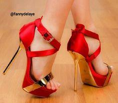 Merci à @fannydelaye #heels #highheels #shoes #instashoes #heelshigh #instaheels #talonshauts #talons #hautstalons #shoelover #shoesaddict #heellover #shoefetish #shoegame #killerheels #shoestagram #shoesaholic #shoeparadise #heelstagram #heelsaddict #shoewhore #shoeporn #talonsaiguilles #prettygirl #tagsforlikes #followme #style #sexyshoes #sexyheels