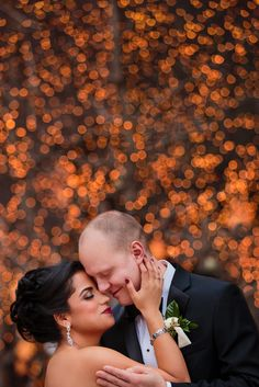 21 Festive Wedding Photos That Are Pure Holiday Magic