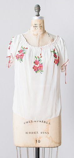 stitched dianthus blouse   vintage 1930s embroidered boho peasant blouse