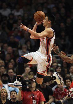 New York Knicks on Yahoo! Sports - News, Scores, Standings, Rumors, Fantasy Games Nba New York, New York Knicks, I Love Basketball, Jeremy Lin, Sports Personality, Hoop Dreams, Sports Figures, Sports News, Athletes