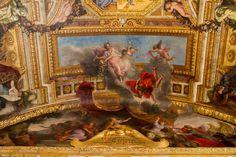 Peintures de Charles Le Brun du plafond de la Galerie des Glaces du Château de Versailles.