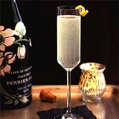 French 75 INGREDIENTS ½ oz simple syrup ½ oz lemon juice 1 oz gin 4 oz chilled Champagne  INSTRUCTIONS Stir first three ingredients into ice-filled collins glass, top with Champagne, and garnish with lemon slice.