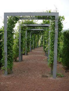 Pergola Arch ~ nice look! and definite potential as a DIY. Garden Arch Trellis, Garden Archway, Garden Entrance, Outdoor Pergola, Cheap Pergola, Backyard Pergola, Outdoor Landscaping, Pergola Kits, Metal Arbor