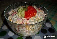 Sokak kedvence a csirkesaláta, amelyet beépíthetünk étkezésünkbe fogyókúránk részeként. A finom étel nagyon egészséges, hiszen dúskál a vitaminokban és nem elhanyagolható a csirkemell sem, ami részét szépíti a szuper salátának.Hozzávalók 6 adaghoz:60 dkg friss csirkemell filé40  ... Salad Recipes, Keto Recipes, Dinner Recipes, Healthy Recipes, Cold Dishes, Healthy Food Options, Fitness Diet, Guacamole, Food And Drink