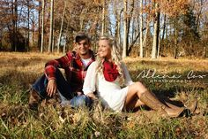 Fall- Autumn- Outdoors-Love- Central Kentucky Wedding Family Photography http://www.allenacoxphotography.com