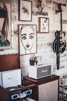 Music room design - Urban Outfitters X Tessa Barton – Music room design Decoration Inspiration, Interior Design Inspiration, Music Corner, Funky Home Decor, Urban Outfitters, Interior Decorating, Gallery Wall, Room Decor, Wall Decor