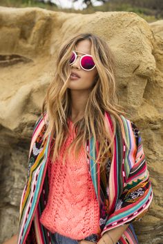 SF Stylist: I love anything with this type of coogie/afro print Style Hippie Chic, Hippy Chic, Gypsy Style, Boho Gypsy, Hippie Boho, Bohemian Style, Boho Chic, My Style, Hair Style
