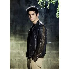 Dylan O'Brien ❤ liked on Polyvore featuring dylan o'brien, teen wolf, imagenes and males