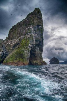 Holiday Destinations You Need To Visit In 2018 71 Scotland Nature, Scotland Travel, St Kilda Scotland, Holiday Destinations, Travel Destinations, Cool Places To Visit, Places To Go, Outer Hebrides, Bali Travel