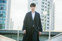 Lee Dong-wook - Meet the gloomy and handsome grim reaper of the Goblin Goblin Korean Drama, All Korean Drama, Lee Dong Wook, Grim Reaper Goblin, Goblin Kdrama, Yoo In Na, South Korea Seoul, Kwon Hyuk, Kim Go Eun