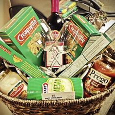 Pasta & Wine basket Theme Baskets, Food Gift Baskets, Holiday Gift Baskets, Themed Gift Baskets, Raffle Baskets, Wine Baskets, Bridal Shower Prizes, Bridal Shower Gifts, Minnie Mouse Theme Party