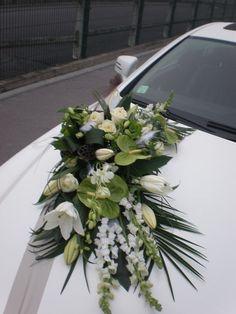 Green Wedding, Wedding Colors, Wedding Trends, Wedding Designs, Wedding Getaway Car, Flower Girl Wreaths, Bridal Car, Wedding Car Decorations, Green Theme