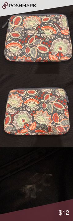 8cfd149e2c Vera Bradley laptop sleeve Pattern  Tutti Frutti (retired) Outside of the  sleeve is