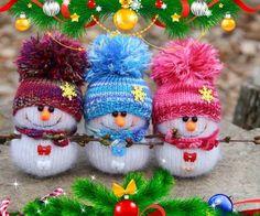 48 ideas knitting christmas socks decoration for 2019 Sock Snowman, Crochet Snowman, Crochet Christmas Ornaments, Christmas Knitting Patterns, Snowman Crafts, Noel Christmas, Baby Knitting Patterns, Handmade Christmas, Holiday Crafts