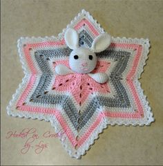 Crochet Baby Lovey Pattern My favorite lovey to crochet is the 6 point star. This pattern is hard to find so I had to make my own! I have made several loveys using this pattern but if you come across any errors, please conta… Crochet Lovey Free Pattern, Crochet Star Blanket, Crochet Baby Blanket Beginner, Lovey Blanket, Crochet Blanket Patterns, Baby Patterns, Free Crochet, Afghan Patterns, Ravelry Crochet