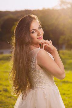 ensaio 15 anos, book 15 anos, fazenda ipanema, ensaio sorocaba, fotos 15 anos, americo sperandio Sweet 16 Photos, Photos Tumblr, Foto Pose, Beauty Photos, Girl Poses, How To Take Photos, Flower Girl Dresses, Portrait, Wedding Dresses