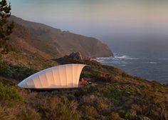 Designers criam barraca de luxo com chuveiro e fogão