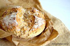 Leve e saudável, este pão pode ser enriquecido com frutos secos da sua preferência