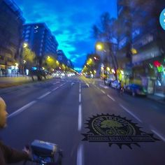 Día 14. Subiendo la calle Doctor Esquerdo con un 5,5% de pendiente ¿Voy en bici porque estoy en forma o estoy en forma porque voy en bici?  #30diasenbici #30daysofbiking #alegresciclistas. #Altrabajoenbici