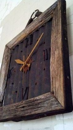 Barn Wood Clock with Rusted metal. Instead of clock add initial or something. Or insert picture of the barn from old wood. Barn Wood Crafts, Barn Wood Projects, Old Barn Wood, Reclaimed Wood Projects, Metal Barn, Barn Tin, Salvaged Wood, Western Decor, Rustic Decor