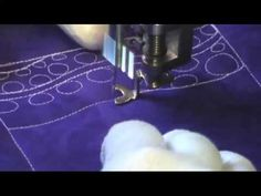 Free Motion Quilting Video: Bubble Wand - YouTube