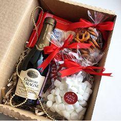 Бокс сделан на заказ, как приятное ,вкусное ❤️дополнение к основному подарку на День Рождение В составе: -игристое вино -маршмелоу -шоколад -конфеты кит кат мини -крендельки -коробка +внешнее оформление Возможен повтор) 790₽ _______________________ По всем вопросам и заказам direct / WA +7913-027-46-04 #подарочныйнабор #подарочныйбокс #боксвподарок #дляпраздника #box #giftbox #подарочныйбокс22 #барнаул #подаркибарнаул