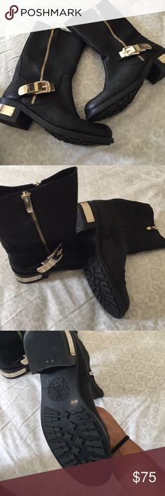 Vince Camuto leather boots Perfect condition, worn only twice. Size 6 Vince Camuto Shoes Combat & Moto Boots