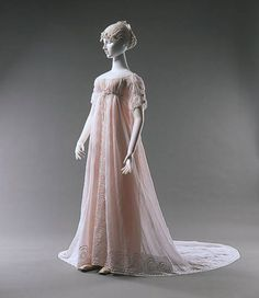 Evening dress 1805, unknown country Embroidered cotton muslin Münchner Stadtmuseum