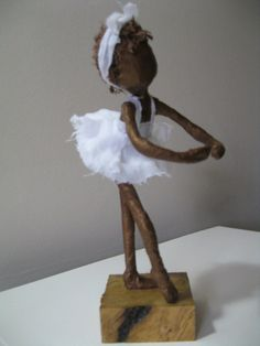 me ~ Ballerina sculpture. Made to order Paper Mache Diy, Paper Mache Projects, Paper Clay, Clay Projects, Paper Art, Textile Sculpture, Sculpture Art, Clay Dolls, Art Dolls