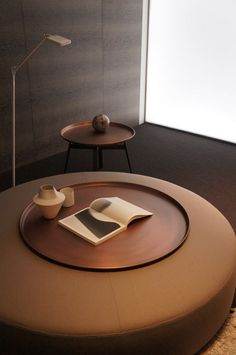 Husk small side table in copper finish, Harry ottoman and Fat-Fat tray from B&B Italia. Beautiful trio!