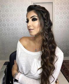New fashion model hair makeup ideas Trendy Hairstyles, Braided Hairstyles, Wedding Hairstyles, Bridesmaid Hair, Prom Hair, Homecoming Hair Down, Long Curly Hair, Curly Hair Styles, Pinterest Hair
