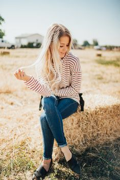 CORA TOP - Citrus & Lemon Winter Photography, Senior Photography, Portrait Photography, Winter Photos, Fall Pictures, Girl Senior Pictures, Senior Pics, Senior Year, Photoshoot Inspiration