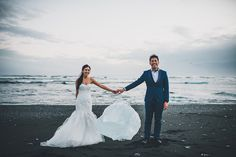 Dramatic engagement session at the beautiful black sand beaches of Iceland // Fearless: William and Velda Battle the Elements in Iceland