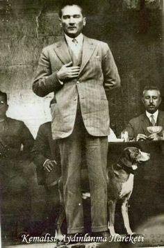 Ant kadehi tutma şekli bütün türk devletlerinde bulunan balbal taşlarında bulduğumuz duruş şekli. Mason diye ileri geri konuşmadan önce Türk tarihini ve Töre nedir bunları araştırın... O.A.