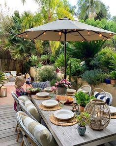 Outdoor Dining, Outdoor Spaces, Outdoor Decor, Outdoor Furniture, Backyard Retreat, Backyard Landscaping, Atrium Garden, Atrium Design, California Living