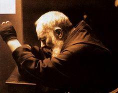 padre pio orando