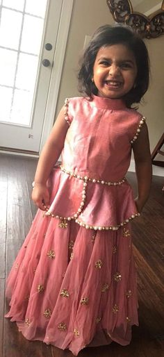 Best Of Legends Ft Coiffure pour les enfants Frock Design, Baby Dress Design, Frocks For Girls, Dresses Kids Girl, Girl Outfits, Kids Indian Wear, Kids Ethnic Wear, Baby Lehenga, Kids Lehenga