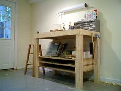 building a stained glass work bench | to build me a workbench for glass work et voila