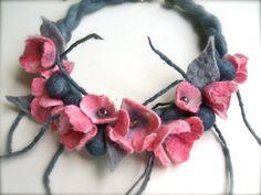 Pink flowers necklace felt flowers  felt necklace by jurooma