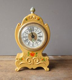 Little  Mantel Clock by WhatsNewOnTheMantel on Etsy, $22.00