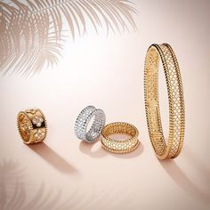 Graphic and refined, Perlée creations adapt elegantly to every occasion. Combining sunny reflections of yellow gold with sparkling glows of white gold, offers a contemporary style in a cheerful symphony of luminous beads. #summerselection #VCAperlee