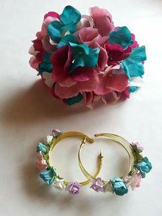 Sueño Flamenco How To Make Earrings, Diy Earrings, Flower Earrings, Wire Jewelry, Beaded Jewelry, Jewlery, Earring Cards, Handmade Jewelry Designs, Diy Accessories