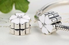 New Arrival 925 Sterling Silver Primrose Clip Charm Beads Fit Original Pandora Bracelet Authentic Fashion DIY Jewelry Gift Diy Jewelry Gifts, Diy Jewelry Making, Luxury Jewelry, Unique Jewelry, 1 Piece, Beaded Jewelry, Jewellery, Sterling Silver, Beads