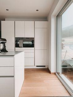 Festverglasung in der Küche Decor, House Design, Home, Kitchen Cabinets, Cabinet, Kitchen