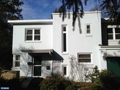 International style home in Glenside, PA