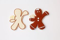 Gingerbread Men Coffee Cup Cookies by thebearfootbaker.com