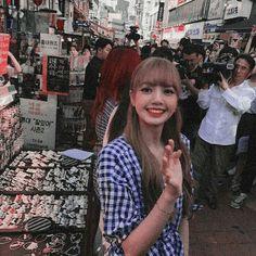 Lisa Blackpink Wallpaper, Kim Jisoo, Blackpink And Bts, Jennie, Kpop, Blackpink Lisa, Mochi, My Sunshine, Hair Inspo